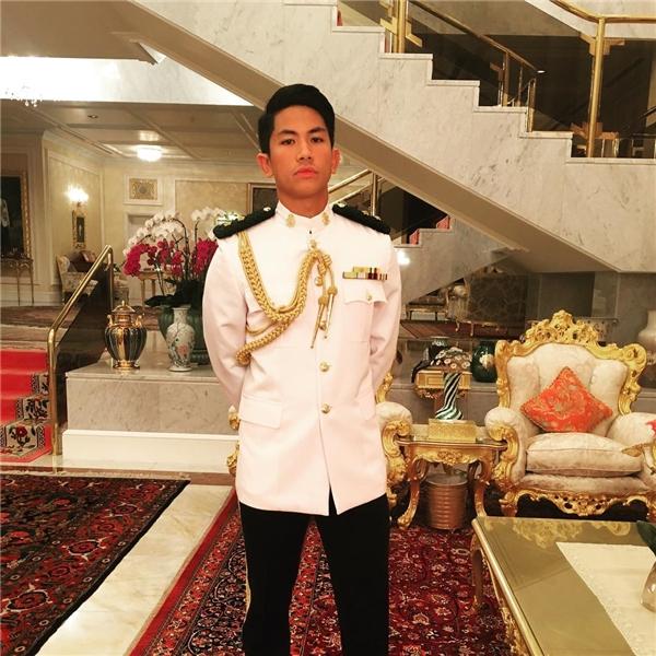 Chàng hoàng tử với tài sản