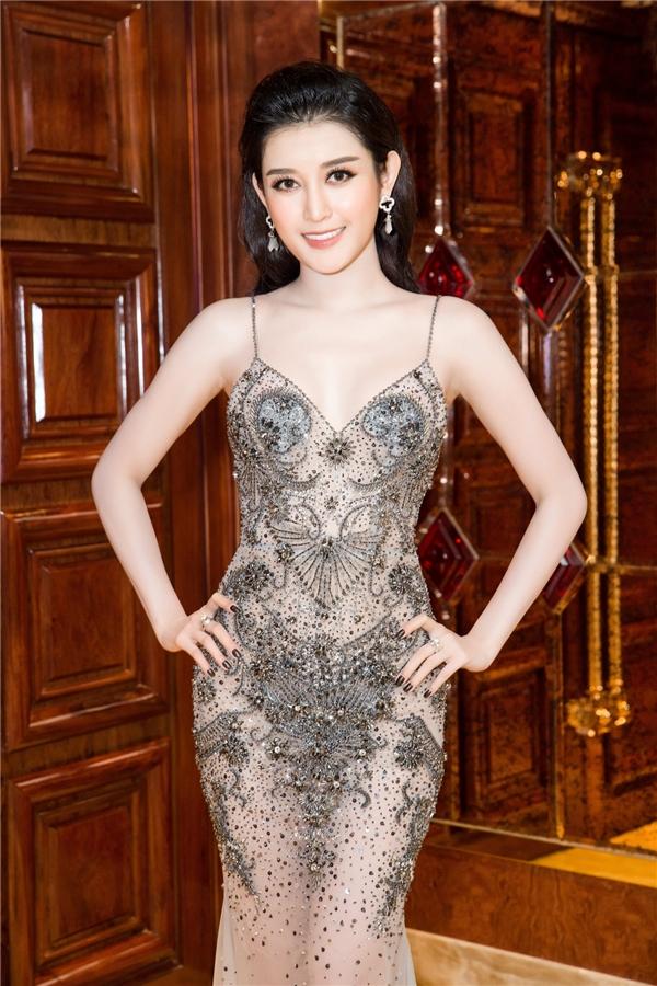 Tối 16/12, Á hậu Hoa hậu Việt Nam 2014 - Huyền My trở thành tâm điểm chú ý của một sự kiện diễn ra tại TPHCM.