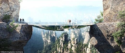 Với cây cầu này, du khách có thể gần gũi với thiên nhiên khu vực Trương Gia Giới đến cảnh giới cao nhất.