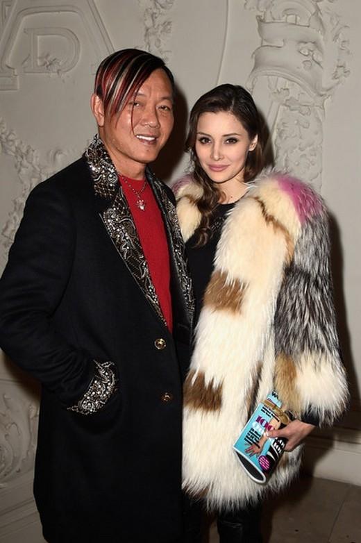 Stephen Hung và Deborah Valdez-Hung tham dự buổi trình diễn của Jean Paul Gaultier trong khuôn khổ Tuần lễ Thời trang Paris Haute Couture Xuân/Hè 2015 vào 28/1/2015 tại Paris, France.