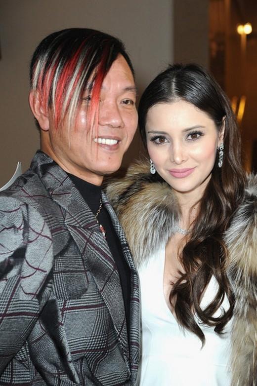 Stephen Hung và Deborah Valdez-Hung tham dự buổi trình diễn của Stephane Rolland trong khuôn khổ Tuần lễ Thời trang Paris Haute Couture Xuân/Hè 2014 vào ngày 24/1/2014 tại Paris, France.