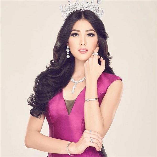 """Trong 3 ngôi vị đầu, vị trí Á hậu 2 của người đẹp Indonesia bị khán giả """"ném đá"""" dữ dội bởi xét về mặt bằng chung thí sinh năm nay, cô không phải là nhân tố nổi trội."""