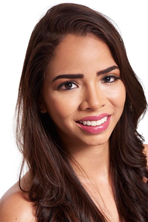 Thyare' Del Carmen, 23 tuổi là đại diện của Panama.