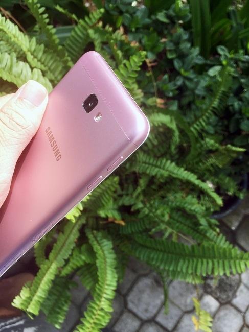 Khám phá Galaxy J7 Prime Sắc hồng tinh tế cho mùa lễ hội