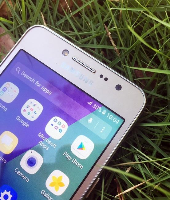 """Ba điểm ấn tượng khiến người trẻ """"mê"""" Galaxy J2 Prime"""