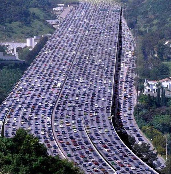 Vụ kẹt xe khủng khiếp nhất lịch sử Trung Quốc và có thể là... cả thế giới nữa.