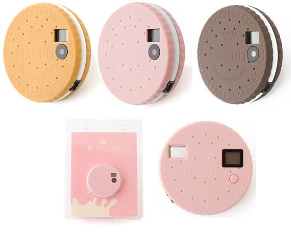 Máy ảnh hình dáng chiếc bánh quy này có tên gọiBiscuit Camera với ống kính độ phân giải 3 MP và bộ nhớ có thể lưu trữ được1.000 tấm ảnh chuẩn QVGA. (Ảnh: internet)
