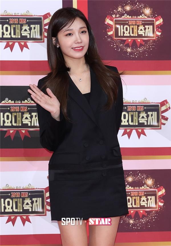 Dạo gần đây, Eunji (A Pink) thường đơn thân xuất hiện tại những sự kiện như thế này.