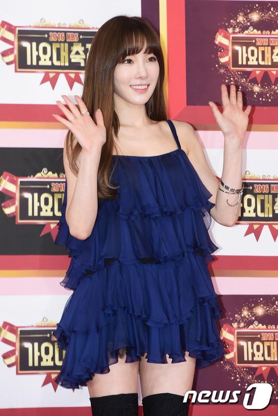 Với hàng loạt những sản phẩm âm nhạc thành công, Taeyeon hiển nhiên là nữ ca sĩ nổi bật nhất năm nay