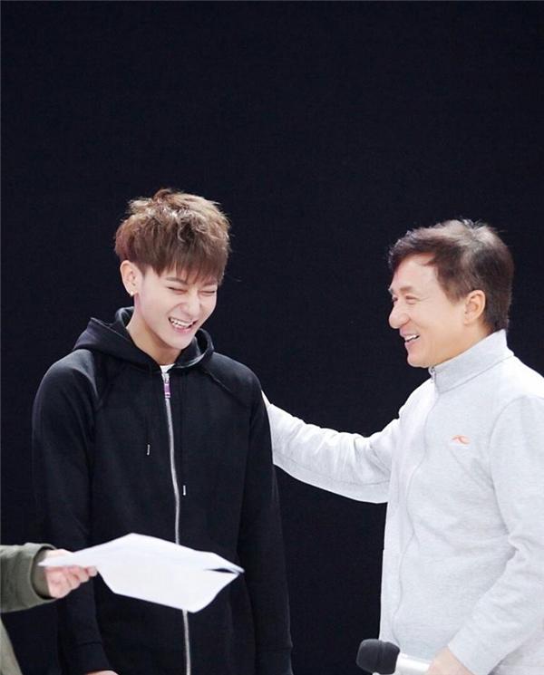 Thành Long chỉ trích cựu thành viên EXO chảnh chọe, mắc bệnh ngôi sao?