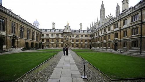 """""""Đây là chương trình có quy mô nhỏ, có sự chọn lọc và đòi hỏi nguồn nhân lực đáng kể cho các dịch vụ giảng dạy và hỗ trợ chuyên sâu"""" – một đại diện của Cambridge cho biết."""