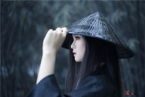 Huệ Nhisở hữu vẻ ngoài xinh đẹp cực cuốn hút ánh nhìn.(Ảnh: Thưởng Nguyễn)