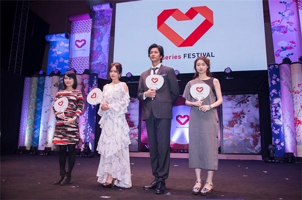 Các ngôi sao đến từ Nhật Bản (từ trái sang phải): Rei, Atsuko Maede, Mokomichi Hayami và Katahira Rina.