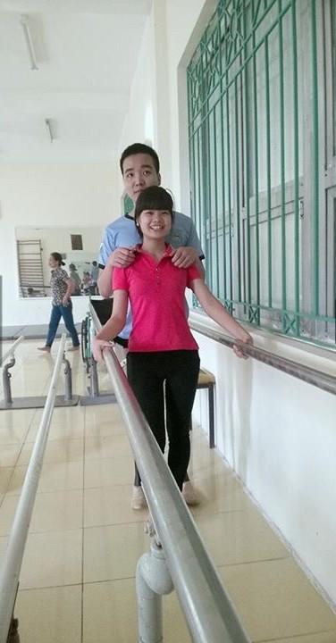 Hiện tại, Đồng làm công nghệ tại Thanh Hóa, còn Giang công tác tại Hà Nội. Khoảng cách xa xôi không ngăn trở được tình yêu của họ, mỗi khi có dịp nghỉ, Giang lại ngay lập tức về thăm Đồng.