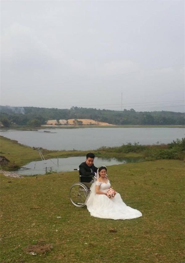 Bức ảnh cưới giản dị của Lệ Giang - Văn Đồng khiến nhiều người ngưỡng mộ.