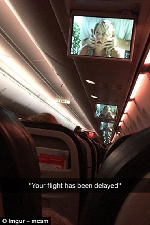 - Chuyến bay của quý khách bị hoãn lại