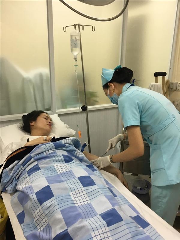 Ngất xỉu tại sân bay, Nhật Kim Anh nguy kịch phải đi cấp cứu trong đêm - Tin sao Viet - Tin tuc sao Viet - Scandal sao Viet - Tin tuc cua Sao - Tin cua Sao