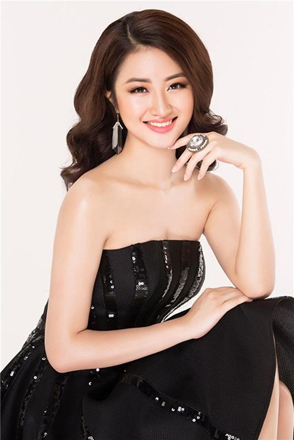Hoa hậu trẻ nhất VN Thu Ngân lấy chồng hơn 19 tuổi