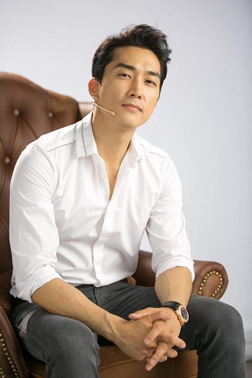 Luôn nhận được nhiều quan tâm từ phái nữ, Song Seung Hun luôn giữ được phong độ đỉnh cao của mình.