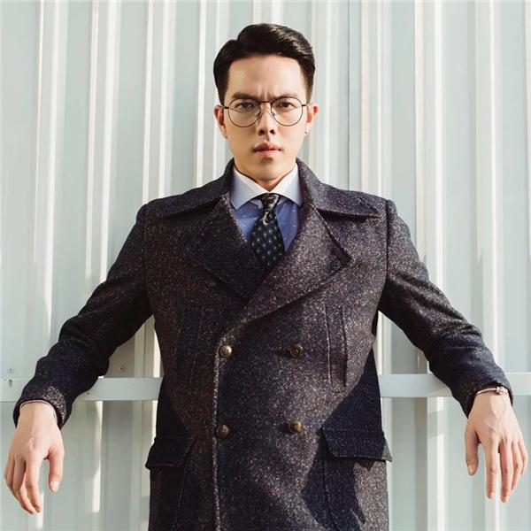 Minh Châusở hữu vẻ ngoài đẹp trai không thua gì diễn viên Hàn Quốc.(Nguồn: Internet)