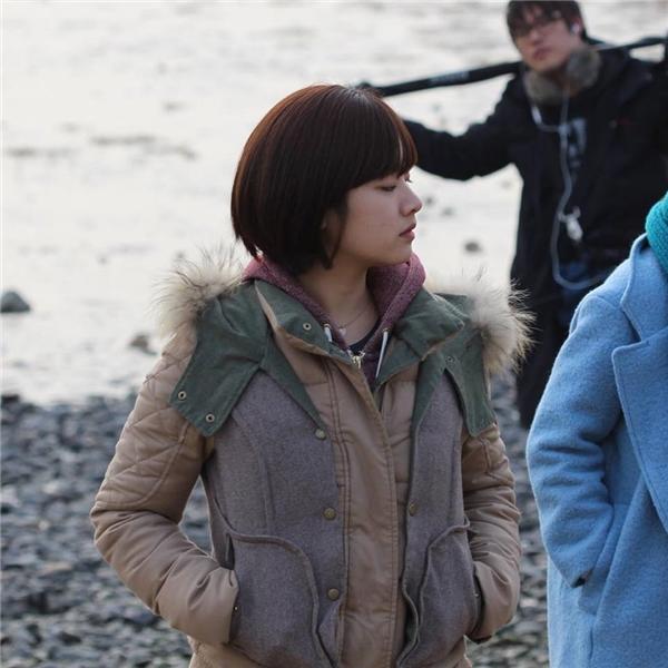 Lee Joo Young phiên bản tóc dài cũng nữ tính và đáng yêu không kém