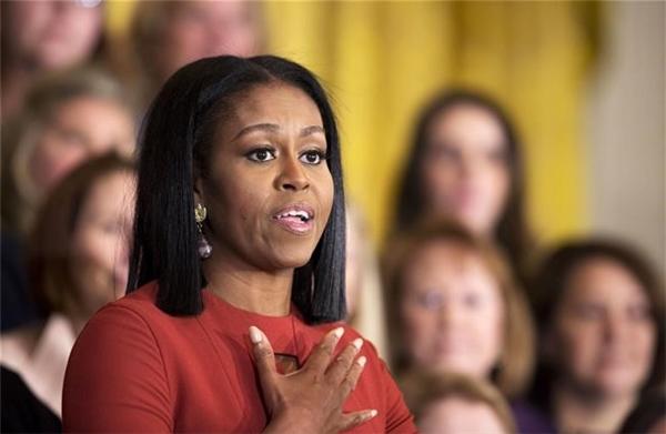 Bà Michelle thúc giục các bạn trẻ hãy tự trang bị cho mình một nền giáo dục tốt, không chùn bước và luôn dõi theo những tấm gương của sự hy vọng.