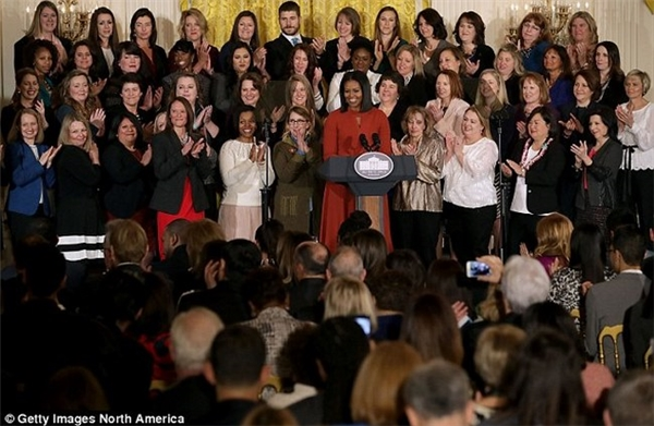 Bài phát biểu cảm động của phu nhân nước Mĩ Michelle Obama đã khiến nhiều người trong buổi lễ xúc động.