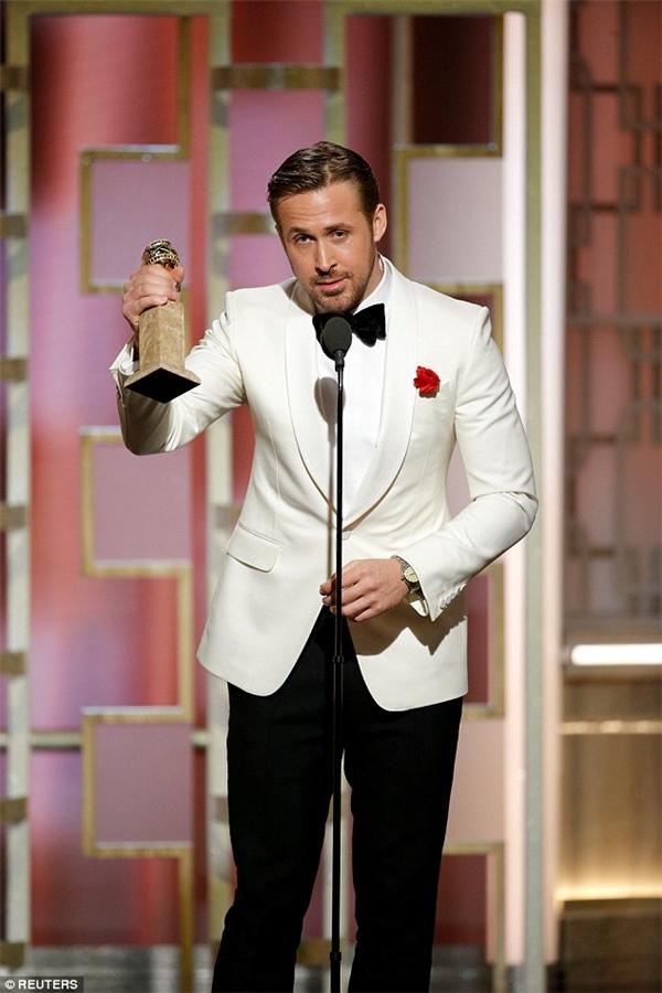 Chiến thắng xứng đáng giành cho Ryan Gosling cùng đoàn làm phim La La Land.