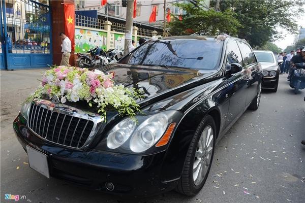 Hoa hậu Thu Ngân được tặng