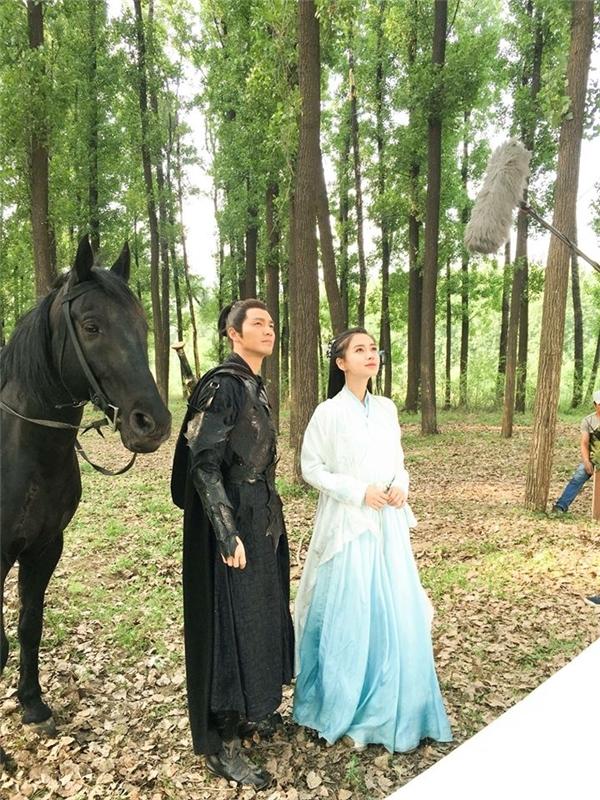 Chung Hán Lương và Angela Babychỉ trùng lịch quay10 ngày trong khi hầu hết các cảnh quay trong phim đều có sự xuất hiện chung của hai diễn viên.