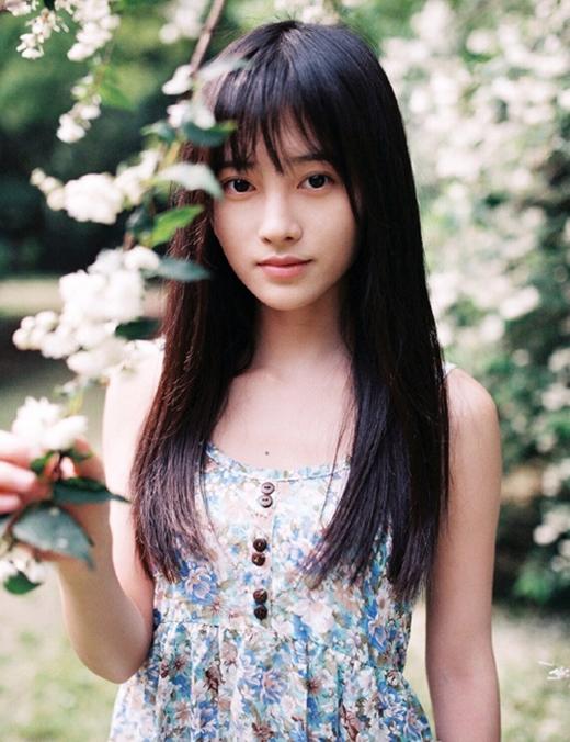 """Xinh đẹp và tài năng, Cúc Tịnh Y chắc chắn sẽ """"làm nên chuyện"""" trên con đường nghệ thuật."""