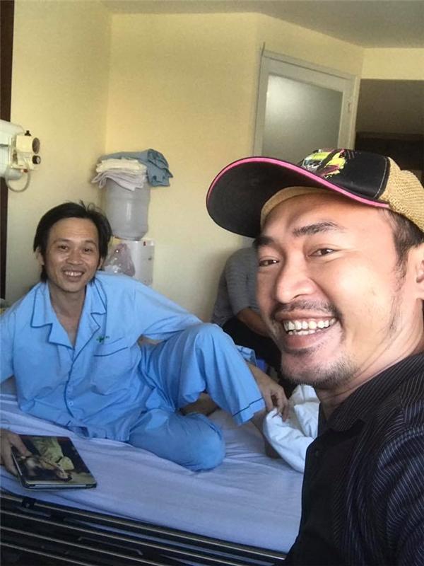 NSƯT Hoài Linh tươi tỉnh xuất viện sau hơn một ngày điều trị - Tin sao Viet - Tin tuc sao Viet - Scandal sao Viet - Tin tuc cua Sao - Tin cua Sao