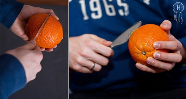 Chế tạo nến từ quả cam: Lấy một quả cam cỡ trung rồi dùng dao cắt phân nửa quả, chú ý chỉ nên cắt đứt lớp vỏ ngoài chứ không nên cắt sâu quá vì nước cam sẽ chảy ra khắp nơi trong khi làm.