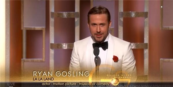 Nam chính La La Land gây xúc động mạnh với bài phát biểu khi nhận giải