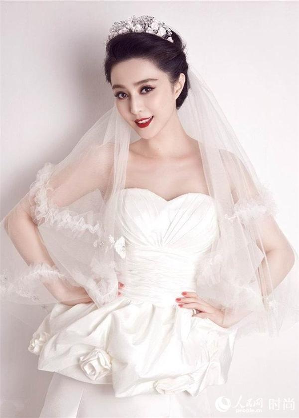 Nhan sắc của Phạm Băng Băng ngày càng được truyền thông quốc tế ghi nhận khiến báo chí Đại lụcmừng rỡ và hết lời ca tụng người đẹp Võ Tắc Thiên.