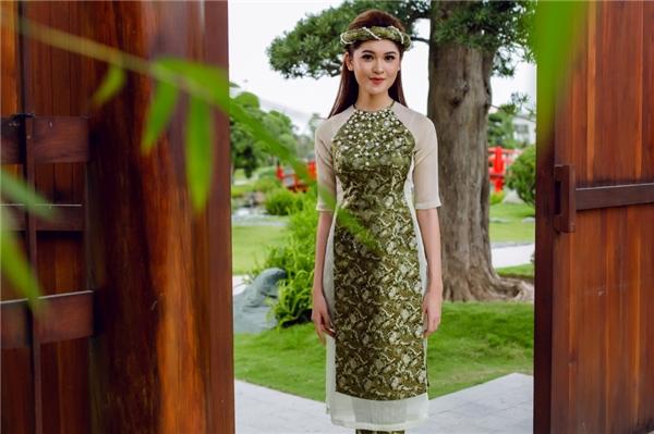 Việc thiết kế áo dài cách tân là một việc rất khó bởi phải vừa tạo điểm nhấn cho bộ áo dài, vừa giữ gìn giá trị văn hóa truyền thống vàhợp với xu hướng hiện đại.