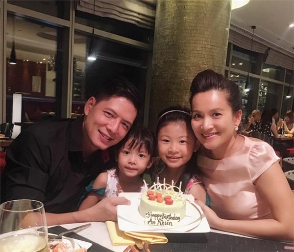 Gia đình nhỏ hạnh phúc của MC Bình Minh. - Tin sao Viet - Tin tuc sao Viet - Scandal sao Viet - Tin tuc cua Sao - Tin cua Sao