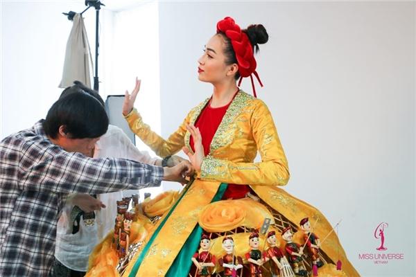 Trang phục truyền thống ấn tượng của Lệ Hằng tại Miss Universe 2016