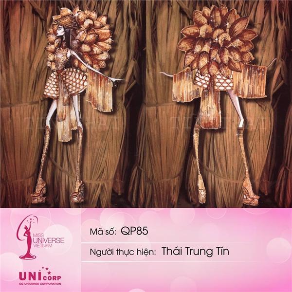 Thái Trung Tín có 2 thiết kế nằm trong top 5. Bộ trang phục này lấy chất liệu mây, tre, nứa làm chủ đạo khá độc đáo.