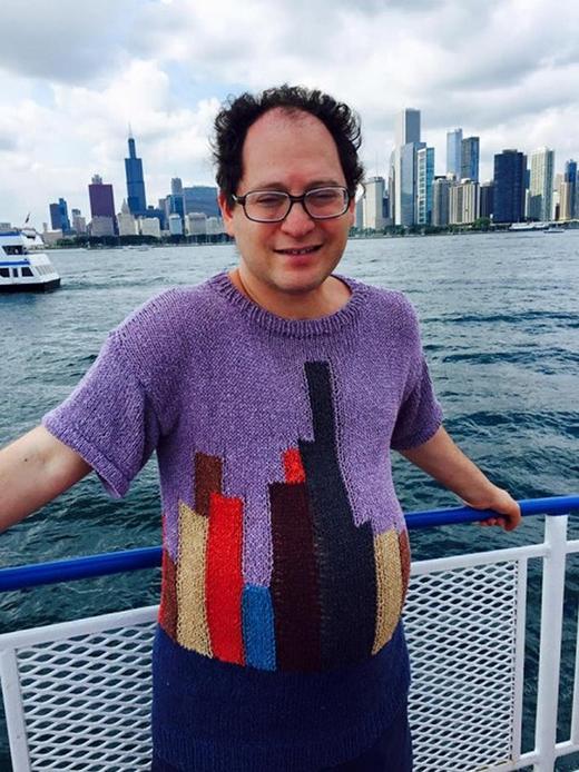 Sam Barsky đã thể hiện gout thẩm mỹ đầy chất nghệ thuật của mình trên những chiếc áo len rất đỗi bình thường.