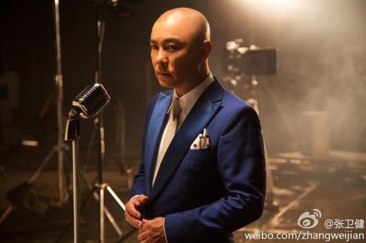 Bước vào tuổi 52, Trương Vệ Kiện không còn xuất hiện thường xuyên trên màn ảnh, mà chăm chỉ tham gia show truyền hình.