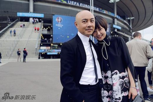 Anh hạnh phúc bên cô vợ Trương Tây, cả hai đều đang chờ đợi có thêm thành viên mới cho gia đình nhỏ.