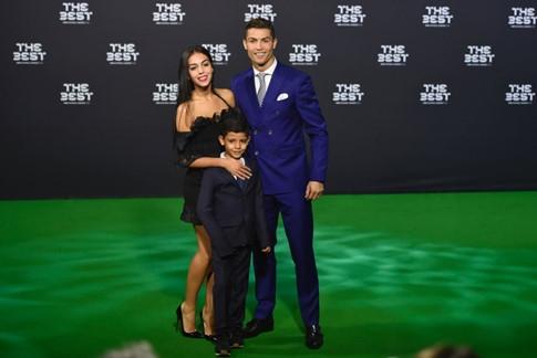 Ronaldo và Georgina Rodriguez mới quen nhau trong thời gian ngắn.