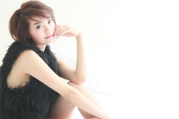 Hình ảnh Minh Hằng và mái tóc ngắn cá tính một thời đã làm nên thương hiệu của cô. - Tin sao Viet - Tin tuc sao Viet - Scandal sao Viet - Tin tuc cua Sao - Tin cua Sao