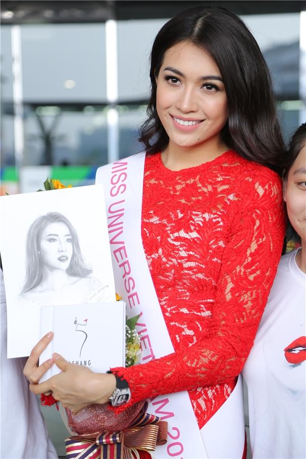 Lệ Hằng cao 1m75, quê gốc ở Đà Nẵng, từng có kinh nghiệm làm mẫu nhiều năm. Trong nước, cô cũng từng tham gia thi đấu tại nhiều cuộc thi lớn nhỏ trước khi đăng quang ngôi vị Á hậu 2 Hoa hậu Hoàn vũ Việt Nam 2015.
