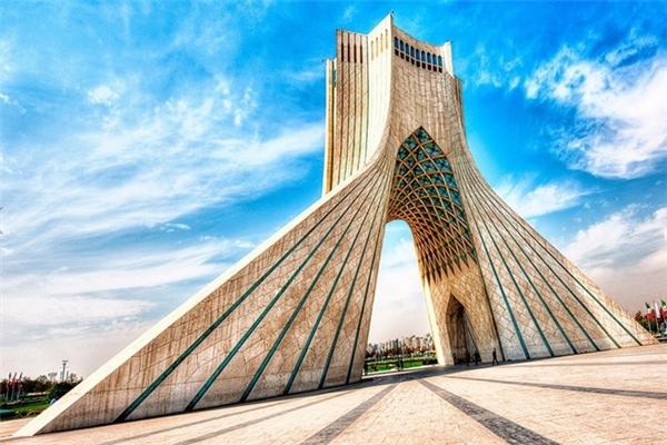 Tháp Azadi, Iran. (Ảnh: internet)