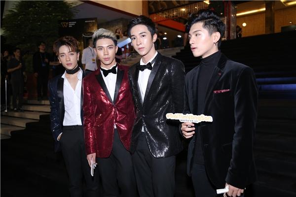 Nhóm Monstar và hot boy Sing My Song - Đoàn Thế Lân - Tin sao Viet - Tin tuc sao Viet - Scandal sao Viet - Tin tuc cua Sao - Tin cua Sao