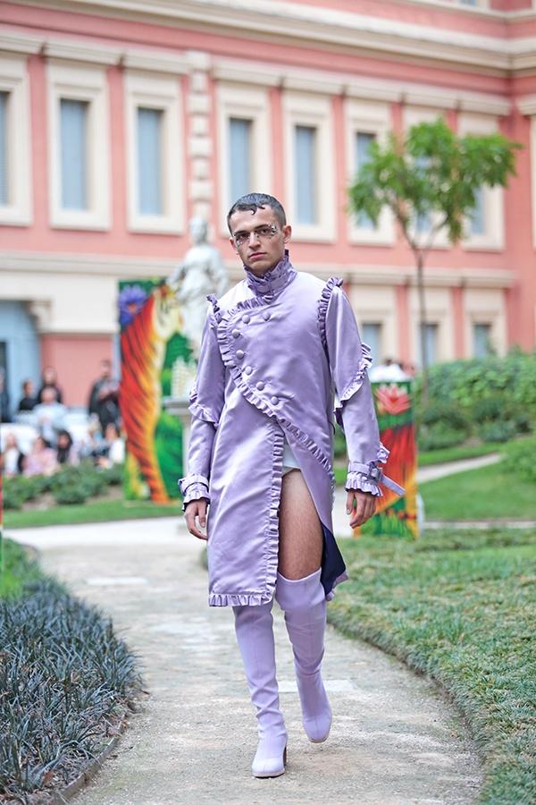 Không thể tin đây là xu hướng trang phục nam giới trong năm 2017!