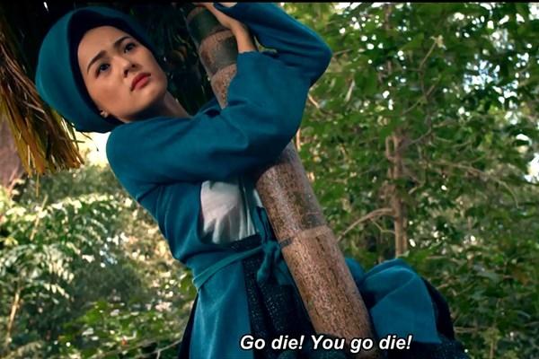 Hạ Vivới hình ảnhTấmbị mẹ ghẻ chặt cây cau ngã chết cũng thu hút đông đảo sự chú ý từ dân mạng.(Ảnh: Internet)
