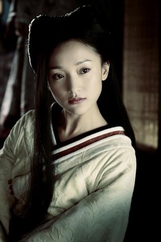 Nhắc đến những nàng hồ ly đình đám của màn ảnh Hoa ngữ, chắc chắn không thể không kể đến cái tên Châu Tấn.
